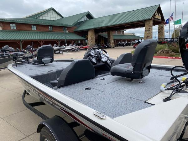 2021 Tracker Boats boat for sale, model of the boat is Pro Team 195 TXW Tournament Edition & Image # 3 of 3