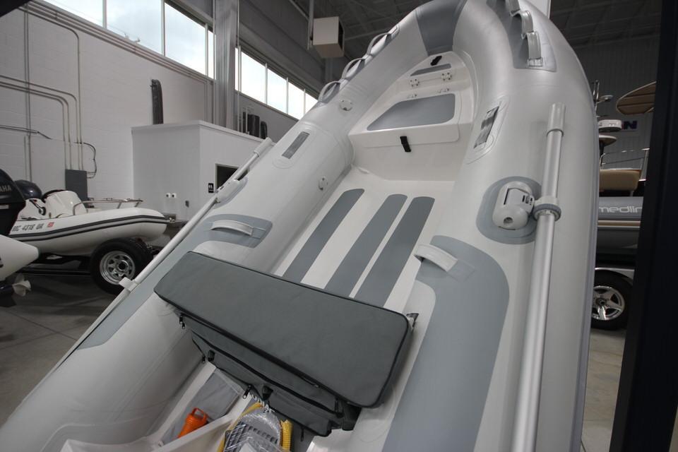 2022 Zodiac Cadet 330 RIB ALU Deluxe, Image 2
