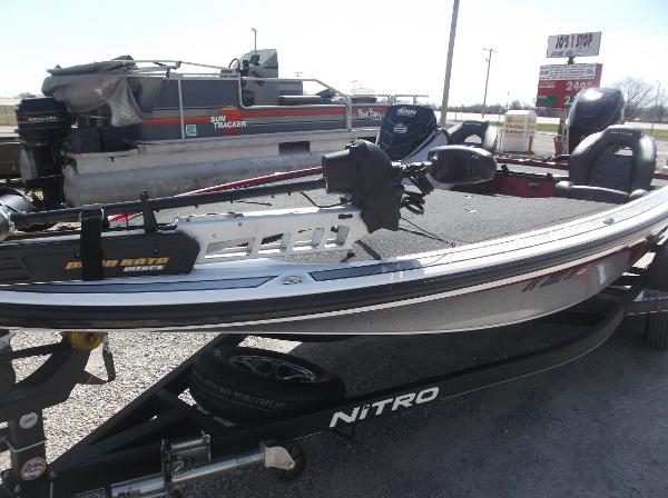 2018 Nitro boat for sale, model of the boat is Z19 & Image # 2 of 19
