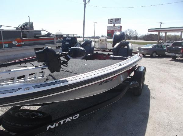 2018 Nitro boat for sale, model of the boat is Z19 & Image # 3 of 19