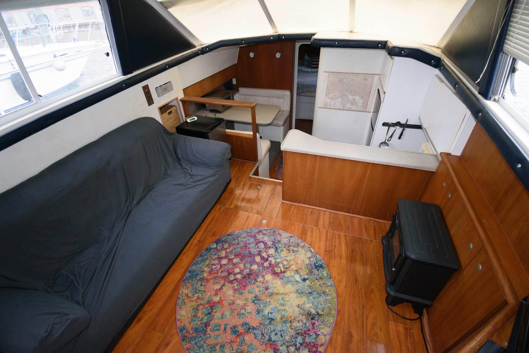 M 6010 MD Knot 10 Yacht Sales