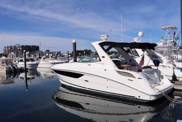 2014 Sea Ray boat for sale, model of the boat is 310 Sundancer & Image # 1 of 14