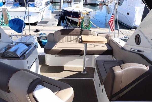 2014 Sea Ray boat for sale, model of the boat is 310 Sundancer & Image # 10 of 14