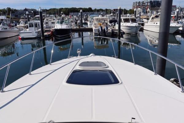 2014 Sea Ray boat for sale, model of the boat is 310 Sundancer & Image # 11 of 14