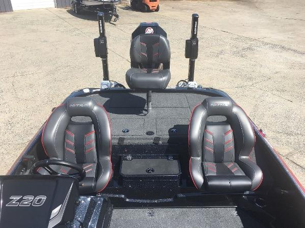 2021 Nitro boat for sale, model of the boat is Z20 Pro & Image # 4 of 8