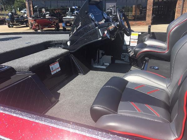 2021 Nitro boat for sale, model of the boat is Z20 Pro & Image # 7 of 8