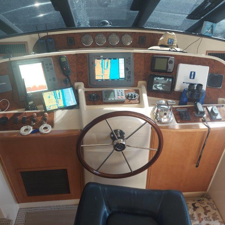 NJ 4691 KG Knot 10 Yacht Sales