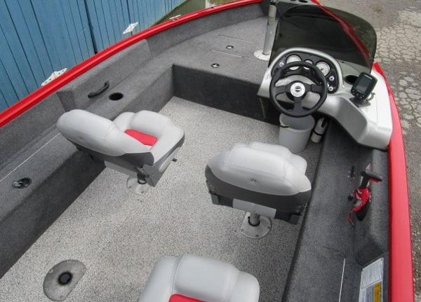 2014 Tracker Boats boat for sale, model of the boat is Pro Guide V-16 SC & Image # 6 of 17