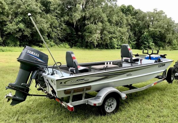 2005 Triton boat for sale, model of the boat is 1653 Stick Steer Boat & Image # 10 of 10