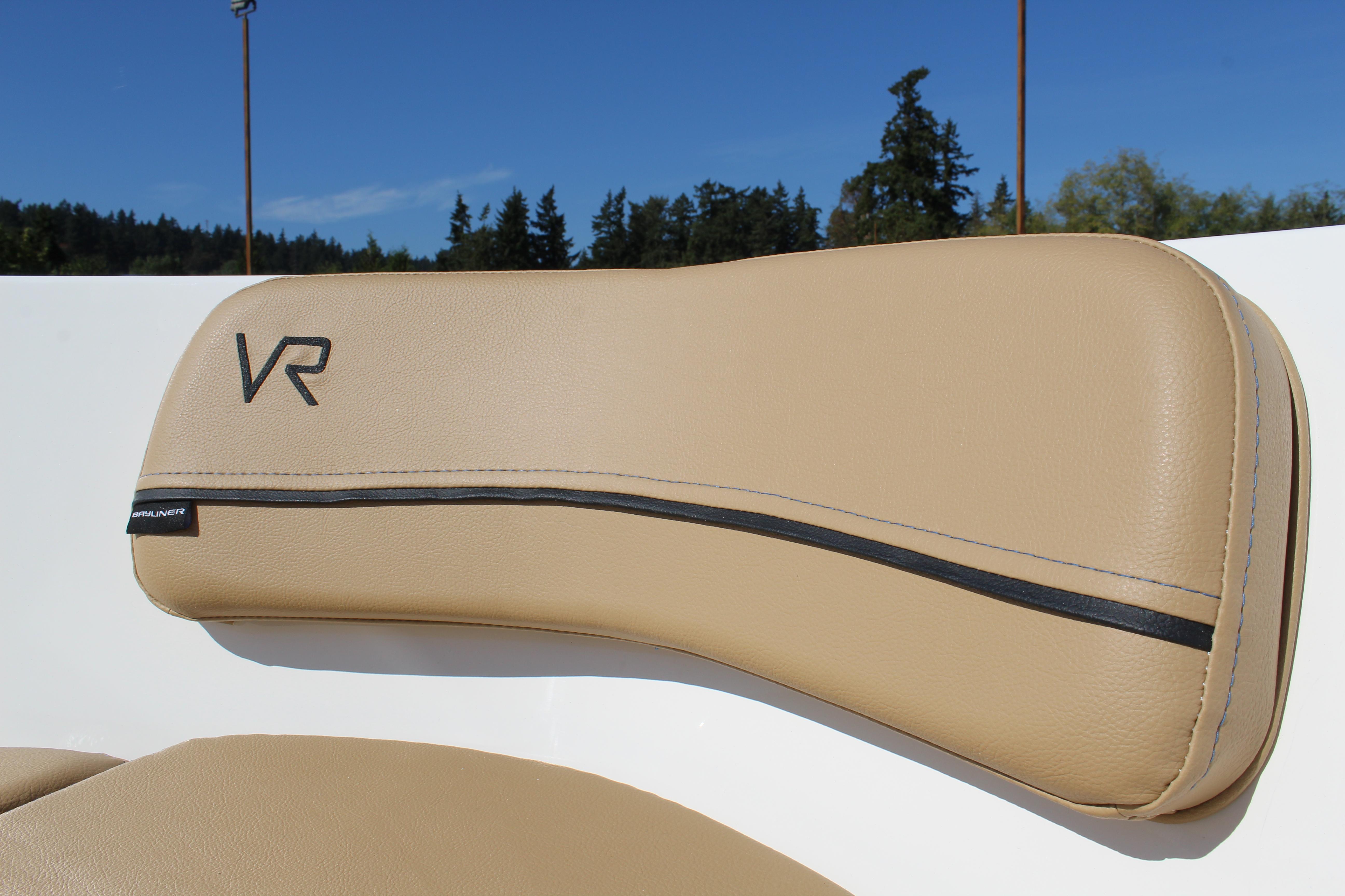 2022 Bayliner VR4 Bowrider I/O