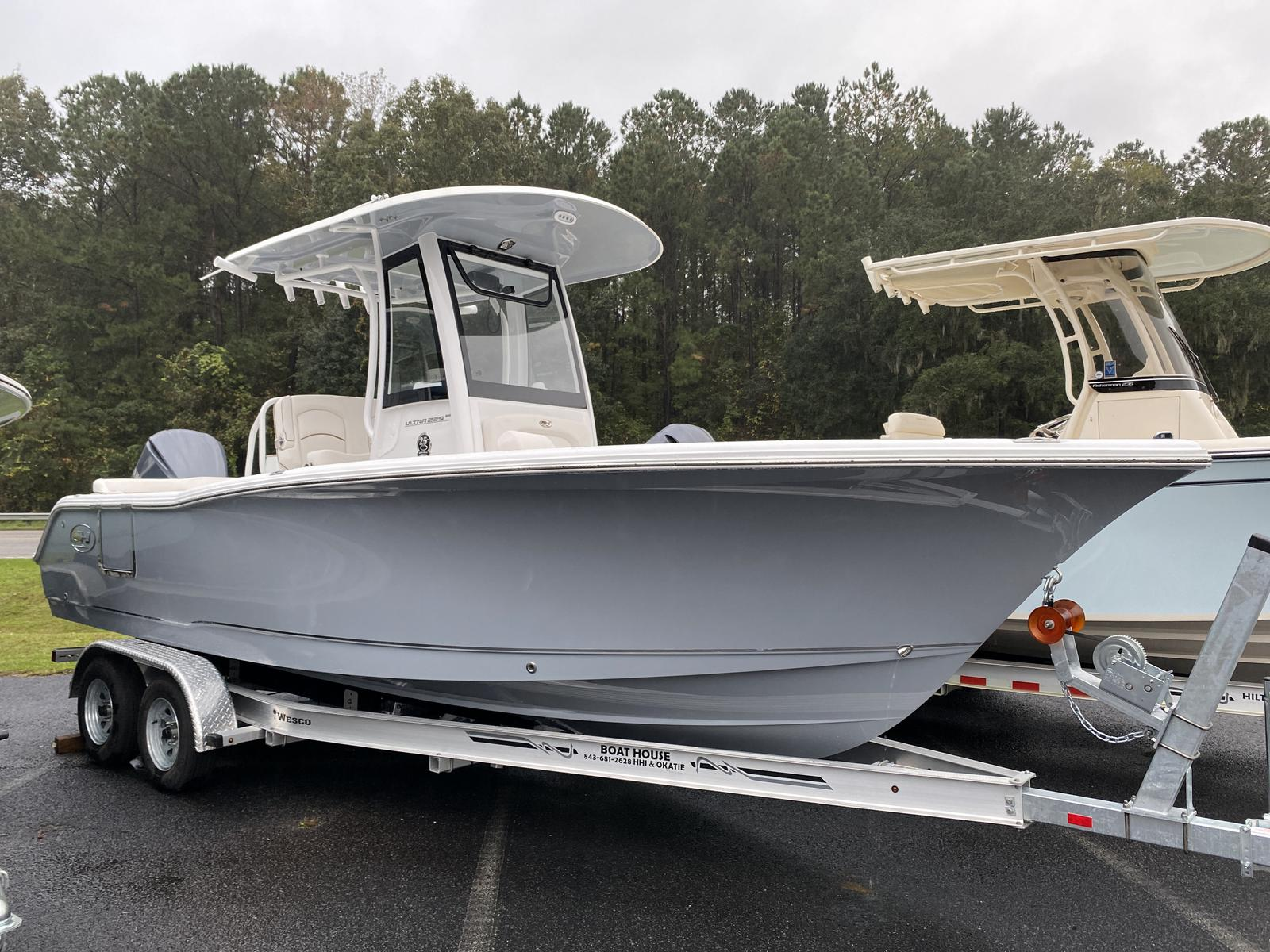 2021 Sea Hunt SH Ultra 239 SE