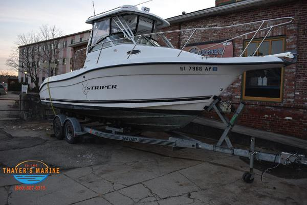 2001 SEASWIRL STRIPER 2300 for sale