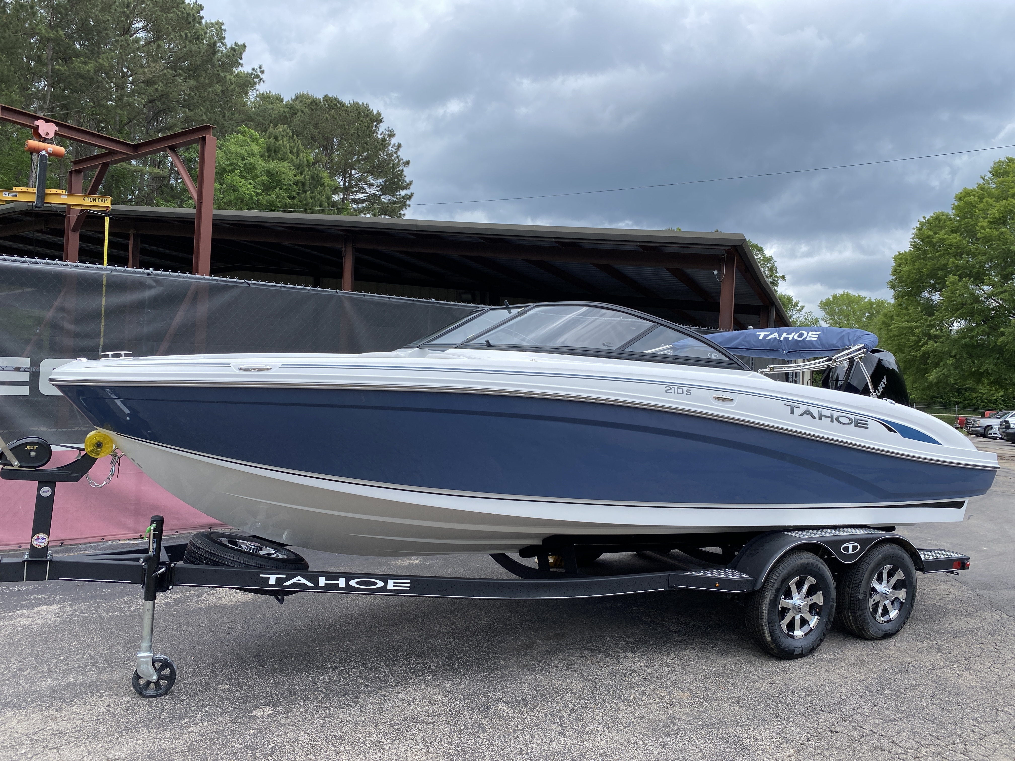 2021 TAHOE 210S for sale