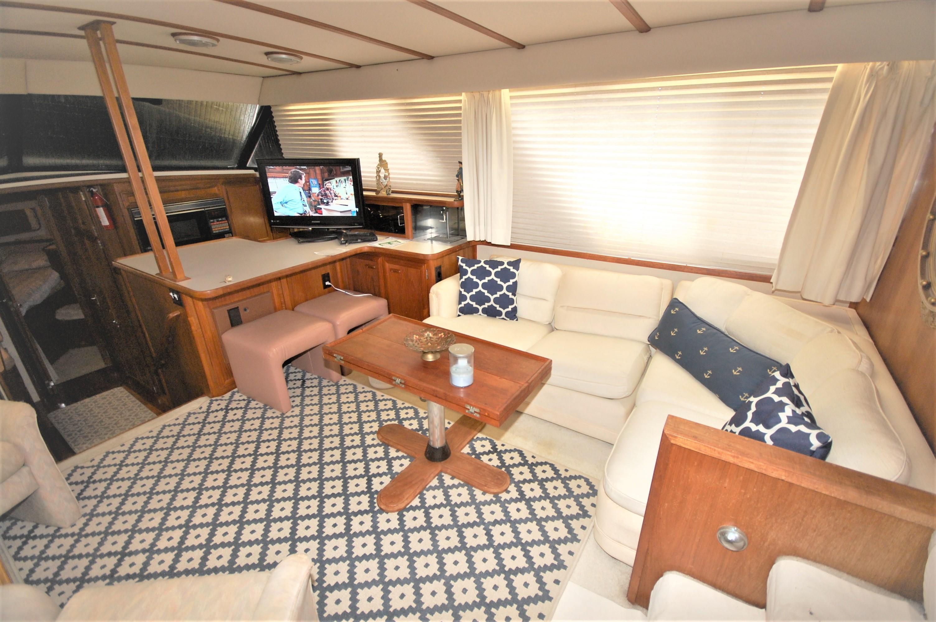 V 6168 SS Knot 10 Yacht Sales