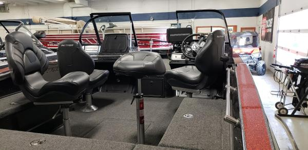 2020 Nitro boat for sale, model of the boat is ZV20 Pro & Image # 6 of 7