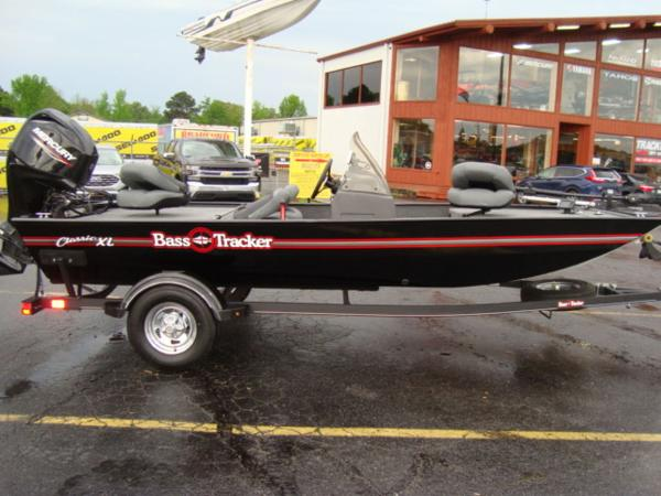 2020 Tracker Boats boat for sale, model of the boat is BASS TRACKER® Classic XL & Image # 4 of 15