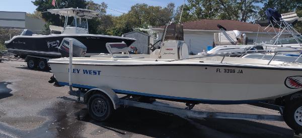 1993 Key West 1900 Center Console