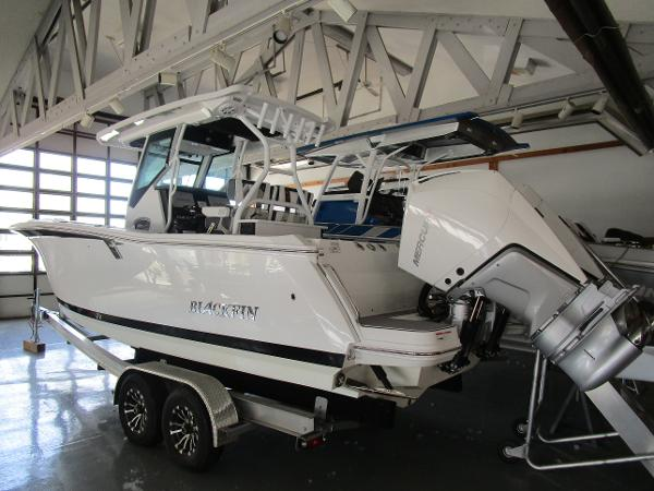 2021 Blackfin boat for sale, model of the boat is 272CC & Image # 4 of 30