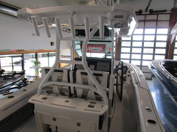 2021 Blackfin boat for sale, model of the boat is 272CC & Image # 9 of 30