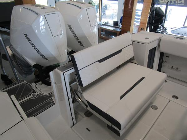 2021 Blackfin boat for sale, model of the boat is 272CC & Image # 12 of 30