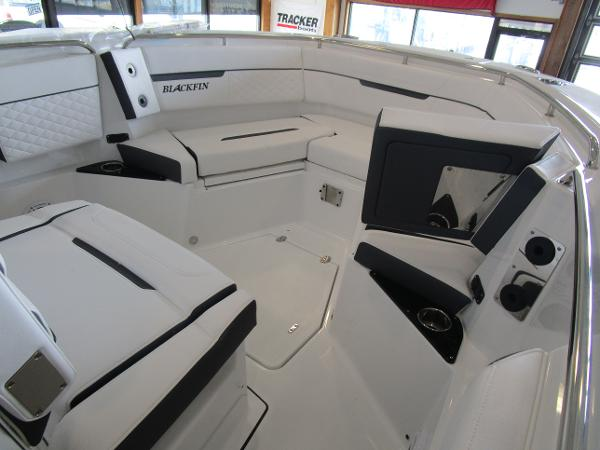 2021 Blackfin boat for sale, model of the boat is 272CC & Image # 20 of 30