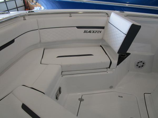2021 Blackfin boat for sale, model of the boat is 272CC & Image # 22 of 30