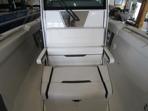 2021 Blackfin boat for sale, model of the boat is 272CC & Image # 23 of 30