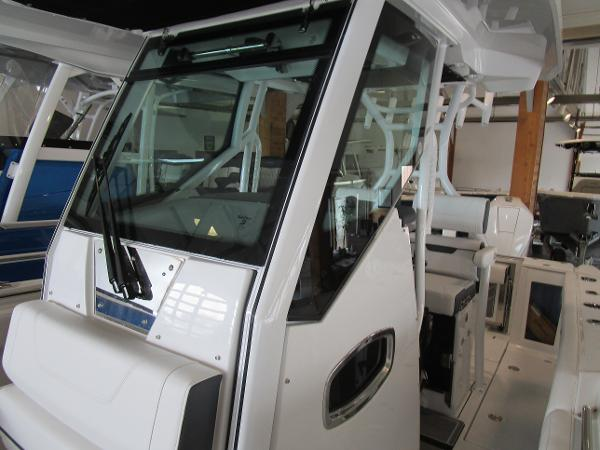 2021 Blackfin boat for sale, model of the boat is 272CC & Image # 28 of 30