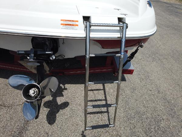 2008 Crownline boat for sale, model of the boat is 21 SS & Image # 4 of 10