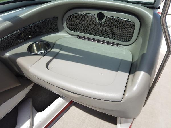 2008 Crownline boat for sale, model of the boat is 21 SS & Image # 7 of 10