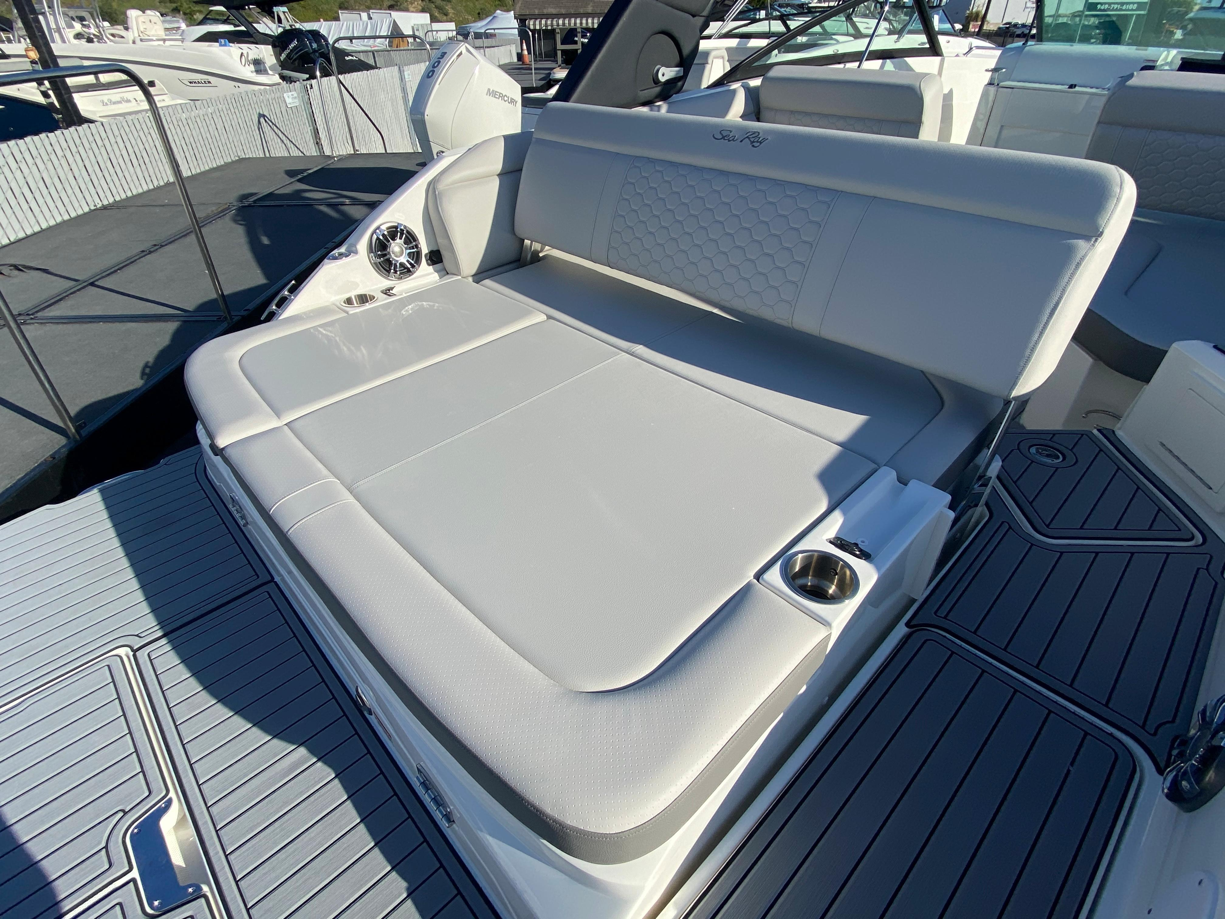 2021 Sea Ray SDX 250 #S1909B inventory image at Sun Country Coastal in Newport Beach