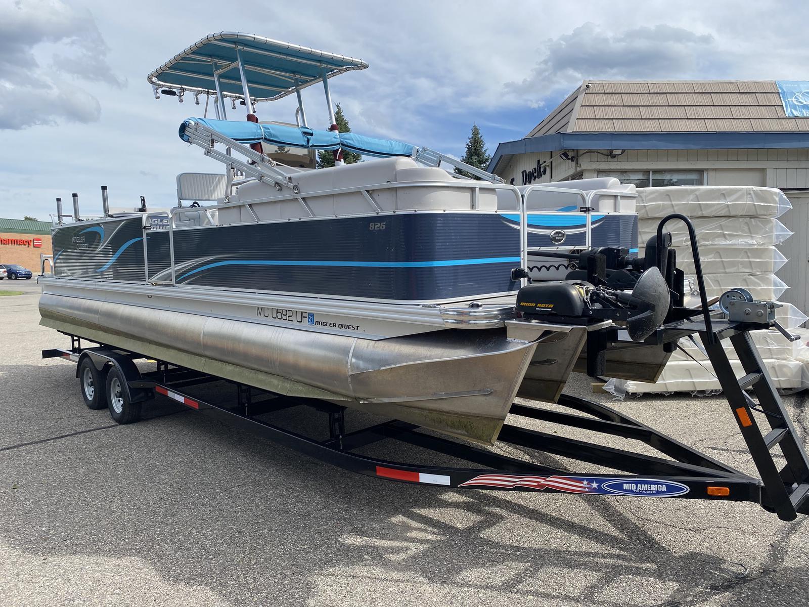 2018 Angler Qwest Pontoons 826 Custom Troller