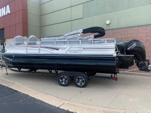 2021 Ranger Boats boat for sale, model of the boat is 223FC & Image # 3 of 25