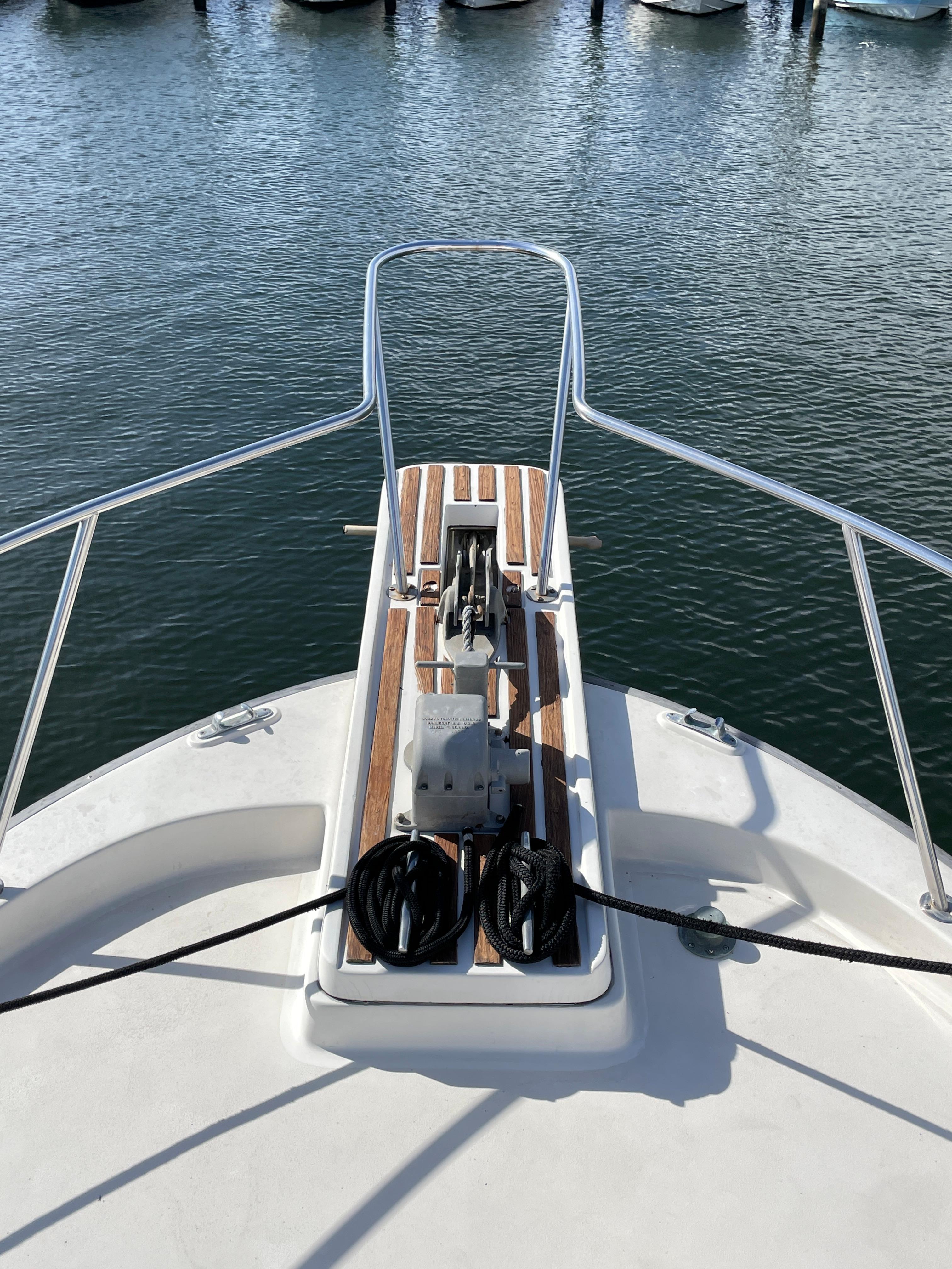 NY 6526 KM Knot 10 Yacht Sales