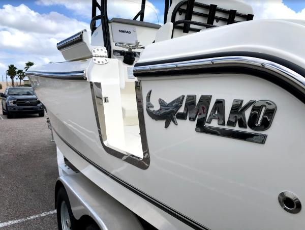 2021 Mako boat for sale, model of the boat is 236 CC & Image # 6 of 43
