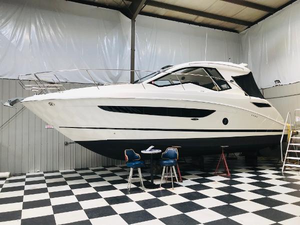 2020 SEA RAY 350 Sundancer Coupe thumbnail