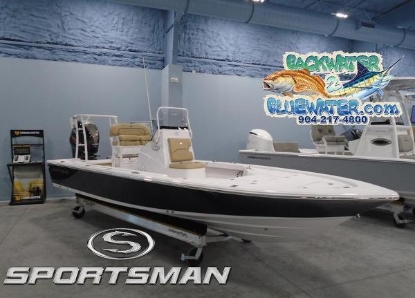 2021 Sportsman Tournament 214 Bay Boat thumbnail