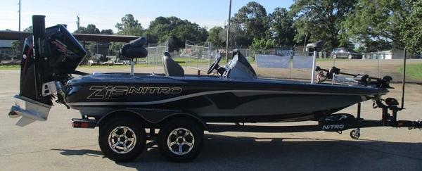 2021 Nitro boat for sale, model of the boat is Z19 & Image # 3 of 7