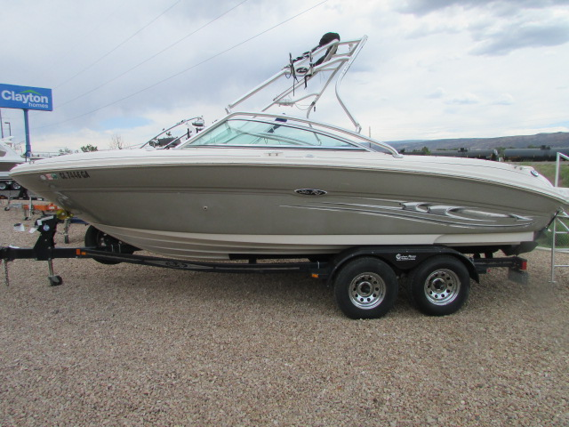 2005 Sea Ray boat for sale, model of the boat is 220 Select & Image # 1 of 10