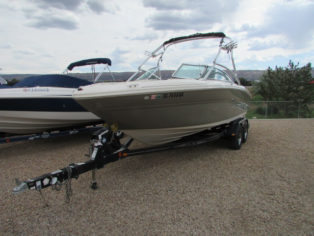 2005 Sea Ray boat for sale, model of the boat is 220 Select & Image # 6 of 10