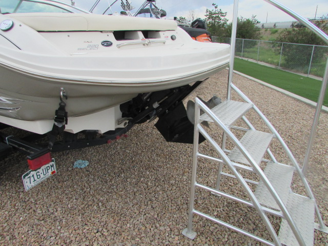 2005 Sea Ray boat for sale, model of the boat is 220 Select & Image # 9 of 10