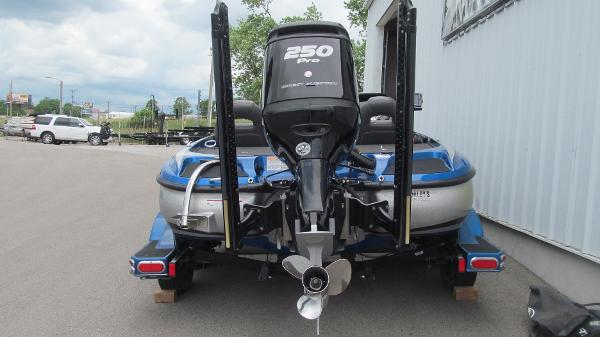 2016 Nitro boat for sale, model of the boat is Z21 & Image # 4 of 11