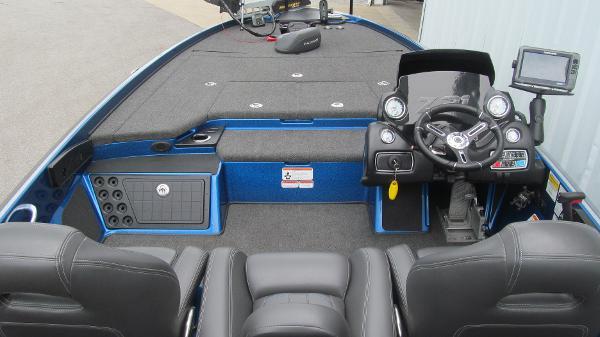 2016 Nitro boat for sale, model of the boat is Z21 & Image # 5 of 11