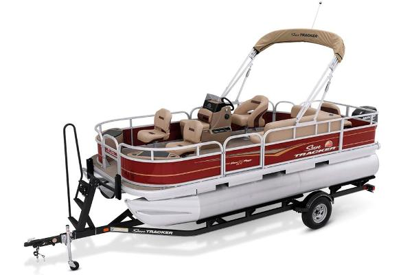 2021 Sun Tracker boat for sale, model of the boat is Bass Buggy 18 DLX & Image # 8 of 52