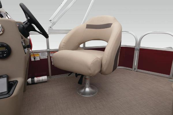 2020 Sun Tracker boat for sale, model of the boat is Bass Buggy 18 DLX & Image # 37 of 52