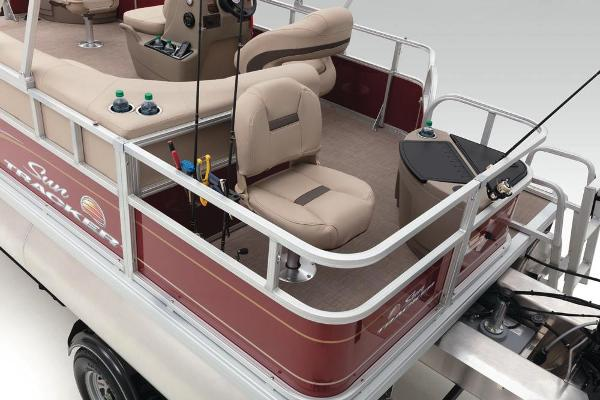 2020 Sun Tracker boat for sale, model of the boat is Bass Buggy 18 DLX & Image # 43 of 52