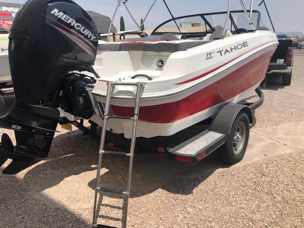 2017 Tahoe boat for sale, model of the boat is 450 TS & Image # 7 of 9