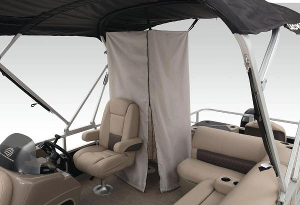 2022 Sun Tracker boat for sale, model of the boat is Fishin' Barge 20 DLX & Image # 44 of 52