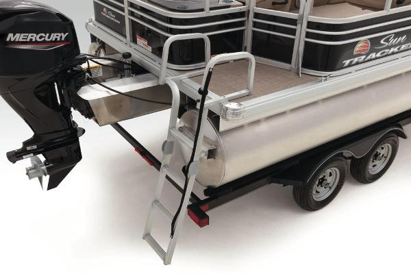 2022 Sun Tracker boat for sale, model of the boat is Fishin' Barge 20 DLX & Image # 47 of 52
