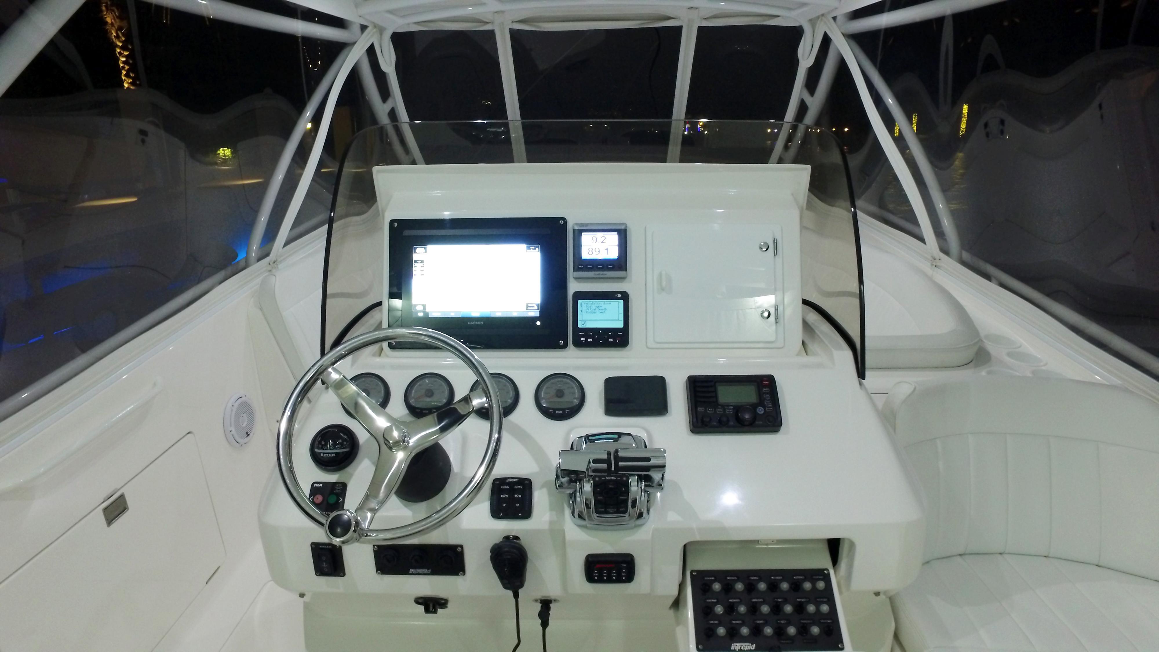 2011 Intrepid 400 Cuddy